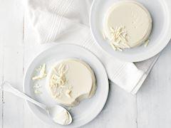 Beyaz çikolatalı vanilyalı panna cotta