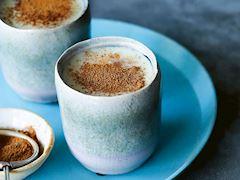 Beyaz çikolatalı ve salepli içecek
