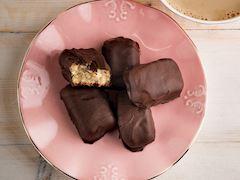 Çikolata kaplı marzipan