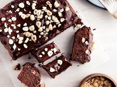 Çikolatalı ve fındıklı brownie kek