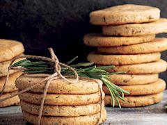Dereotlu biberiyeli ve yoğurtlu bisküviler