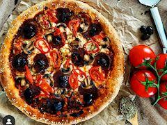 Dolgu kenarlı pizza