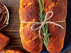 Domates sulu nefis ekmek