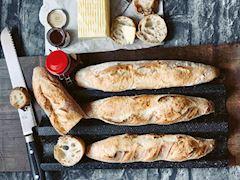 Ekşi mayalı baget ekmeği