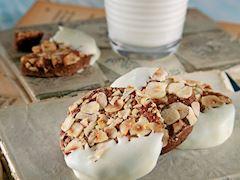 Fındıklı ve beyaz çikolatalı kurabiye