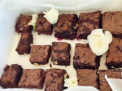 Fransız usulü dışı çıtır içi yumuşacık brownie