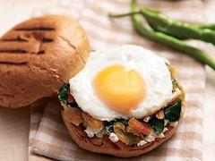 Ispanaklı ve kayısılı göz yumurta