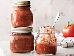 Kırmızı biberli cevizli sos