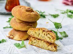 Köz patlıcanlı gül böreği
