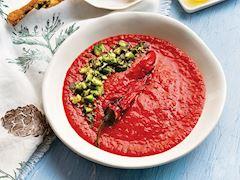 Közlenmiş domates ve biber çorbası