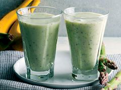 https://lezzet.blob.core.windows.net/images-small-recipe/kuskonmazli-smoothie-76579dda-f56c-42ac-9f7b-4569eea6cd52.jpg