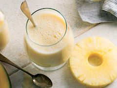 https://lezzet.blob.core.windows.net/images-small-recipe/mango-smoothie-3649fe57-e1c4-4fdd-852d-f037e320b420.jpg