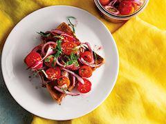 Marine edilmiş kiraz domatesler