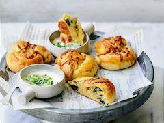 Otlu börek (Ispanak, gelincik, ısırgan)