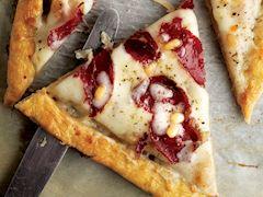 Pastırmalı, ayva reçelli ve kaşar peynirli tart