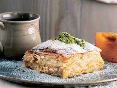Trabzon hurmalı Laz böreği