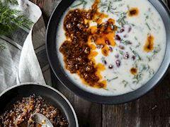 Yoğurtlu ve fasulyeli arapsaçı çorbası