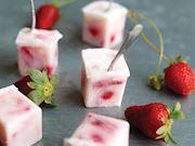 Dondurulmuş çilekli yoğurt