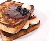 Muzlu ve böğürtlenli French Toast