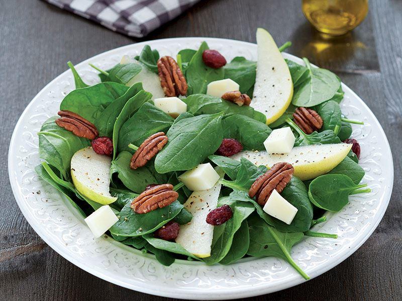 Armutlu Ve Pecan Cevizli Ispanak Salatası