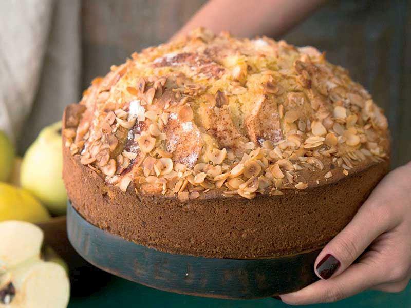 Ayvalı ve file fındıklı kek