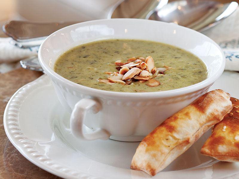 Bademli Kuzukulağı Çorbası