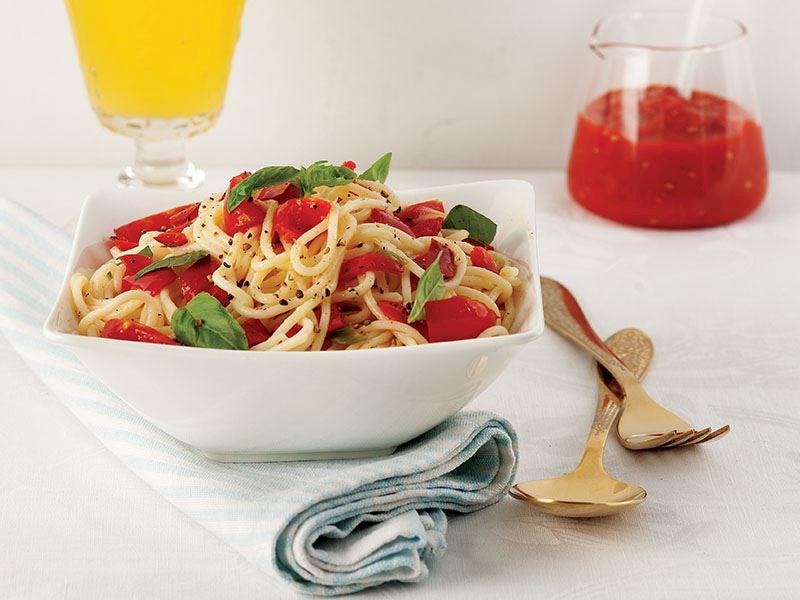Biberli Ve Kiraz Domatesli Spagetti