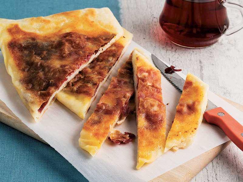 Bol peynirli gözleme börek