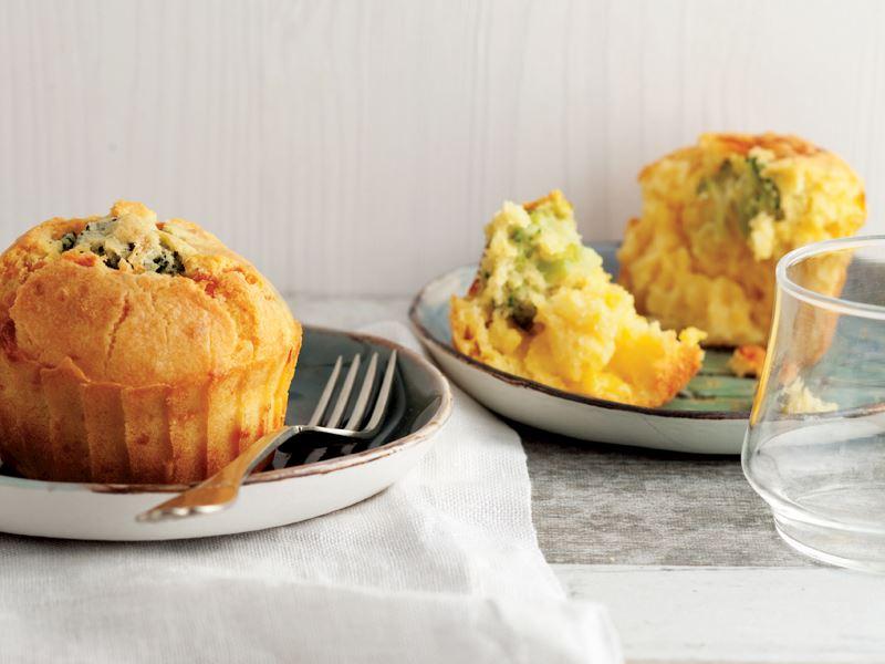 Brokolili Ve Çedar Peynirli Muffin