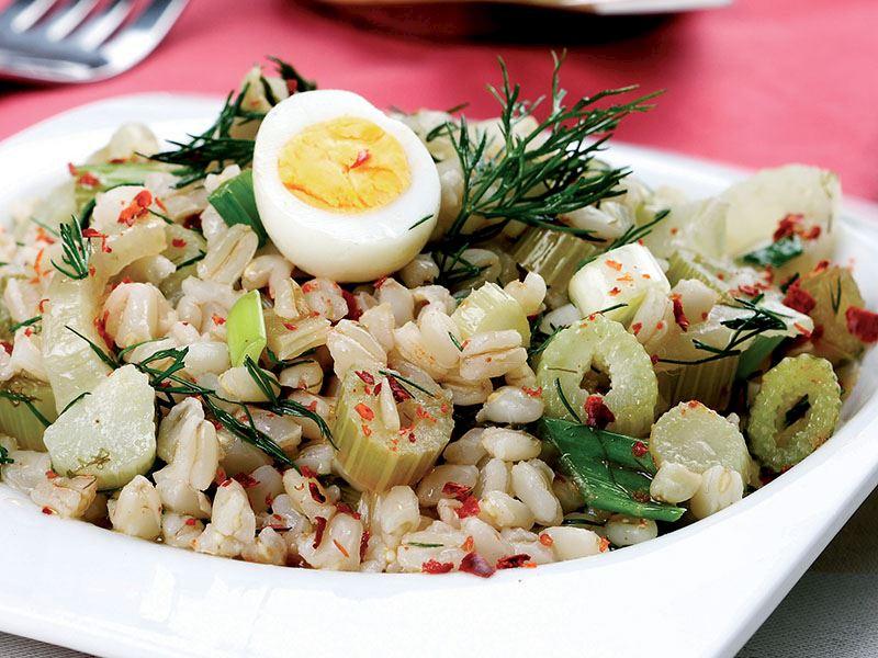Buğdaylı Rezene Salatası
