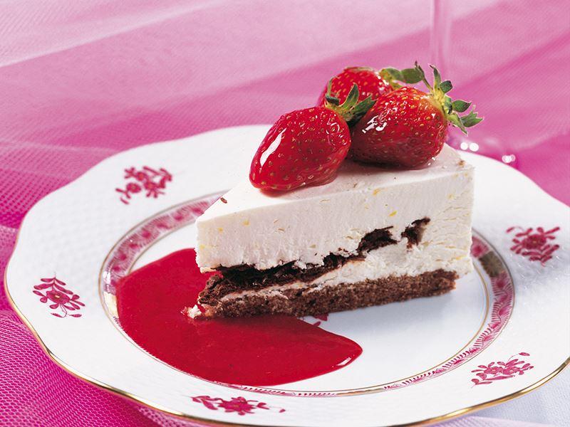 Çikolatalı Ve Soslu Cheesecake