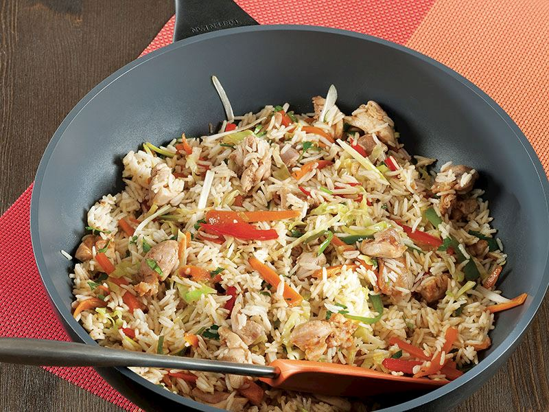 Çin Usulü Pirinç Pilavlı Tavuk Eti
