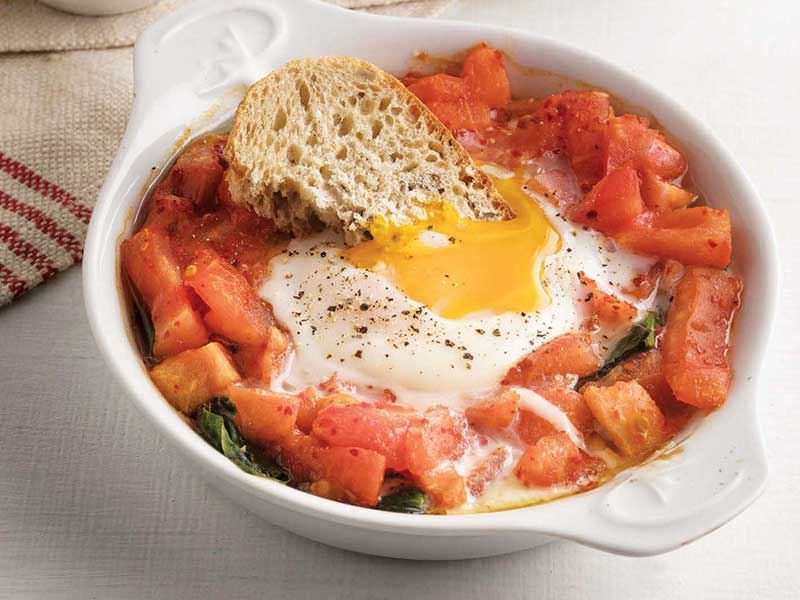 Domates ve ıspanaklı yumurta