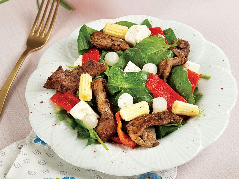 Etli Ve Peynirli Ispanak Salatası
