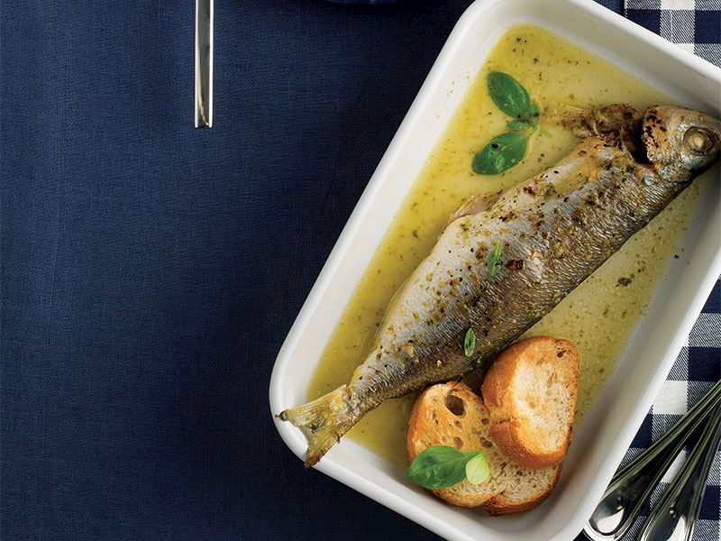 Fesleğen soslu kupes balığı