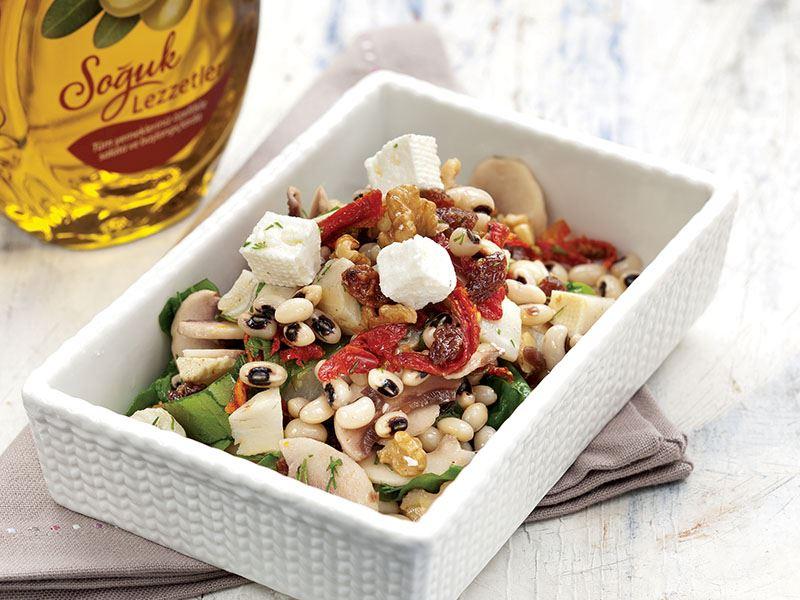 Girit Salatası