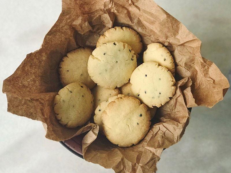 Glütensiz, tuzlu kolay kurabiye