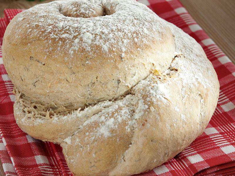 Gravyer Peynirli Ve Dereotlu Ekmek