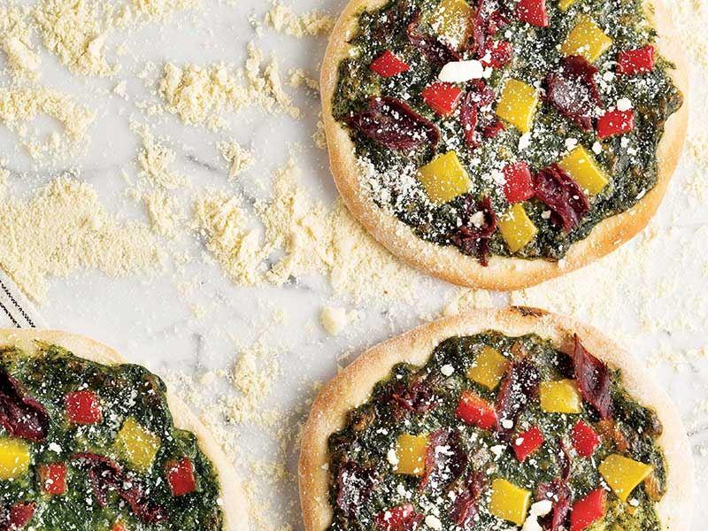 Ispanak püreli ve mozzarellalı pizza