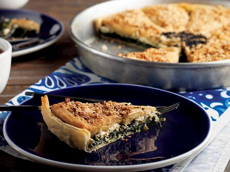 Ispanaklı pratik tepsi böreği