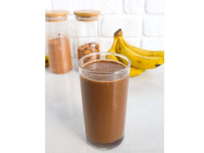 Kakaolu badem sütü