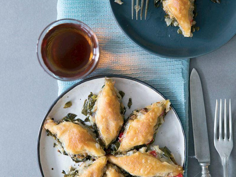 Karalahanalı ve mantarlı baklava böreği