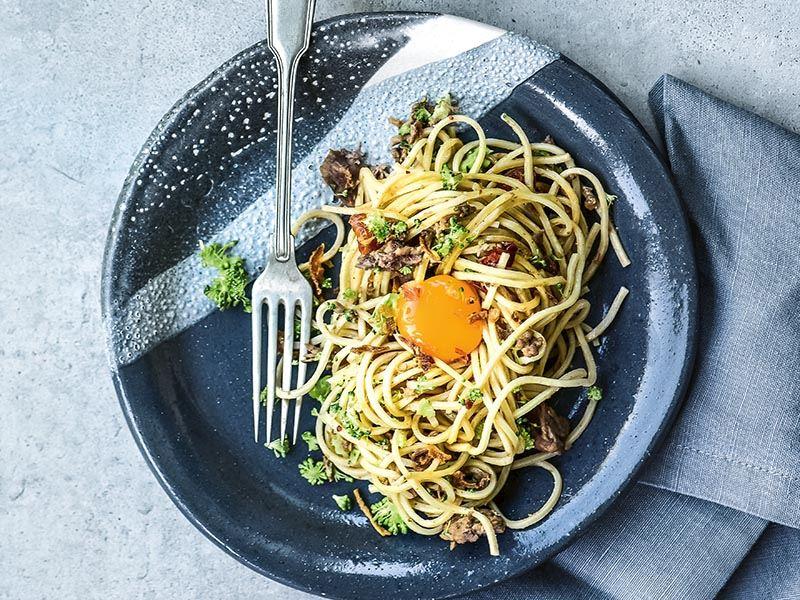 Kavurmalı sade spagetti