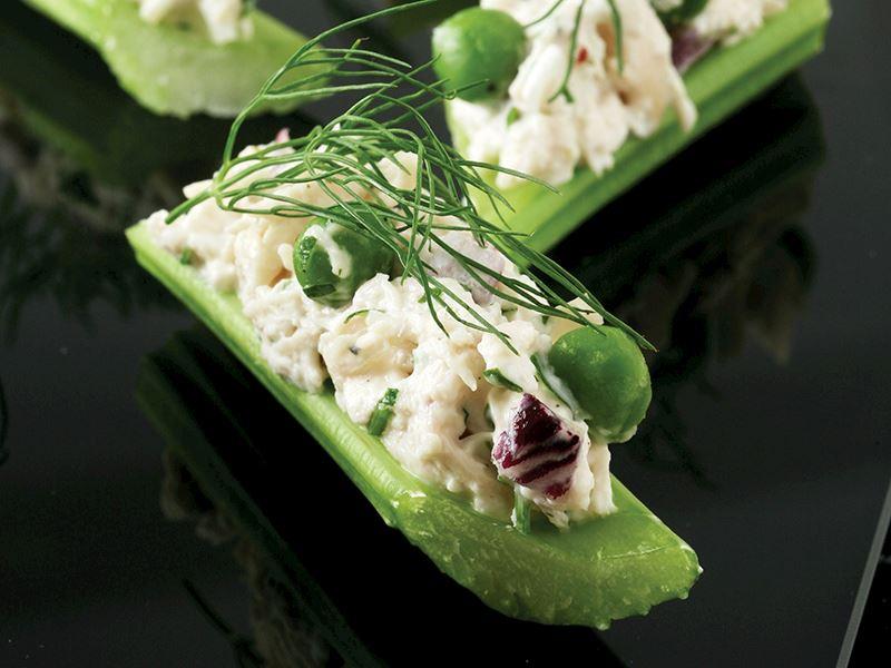 Kereviz Sapında Tavuk Salatası