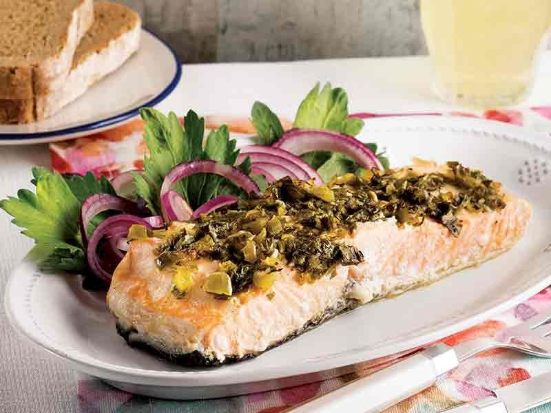 Kişniş soslu somon balığı