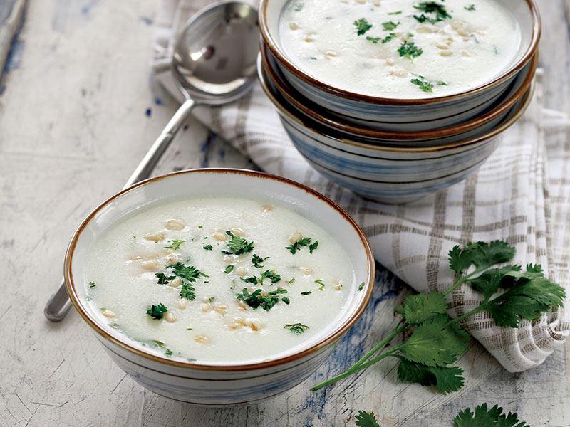 Kişnişli Ve Buğdaylı Yoğurt Çorbası