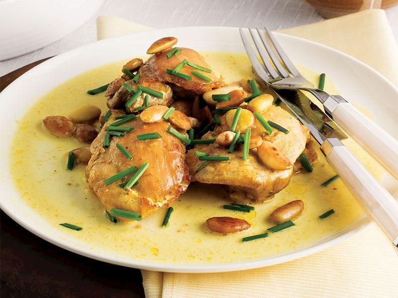 Köri soslu bademli tavuk