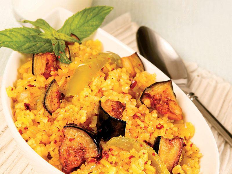 Körili Ve Patlıcanlı Bulgur Pilavı
