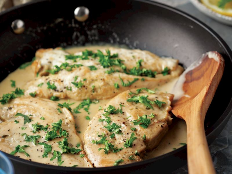 Kremalı tavuk eti