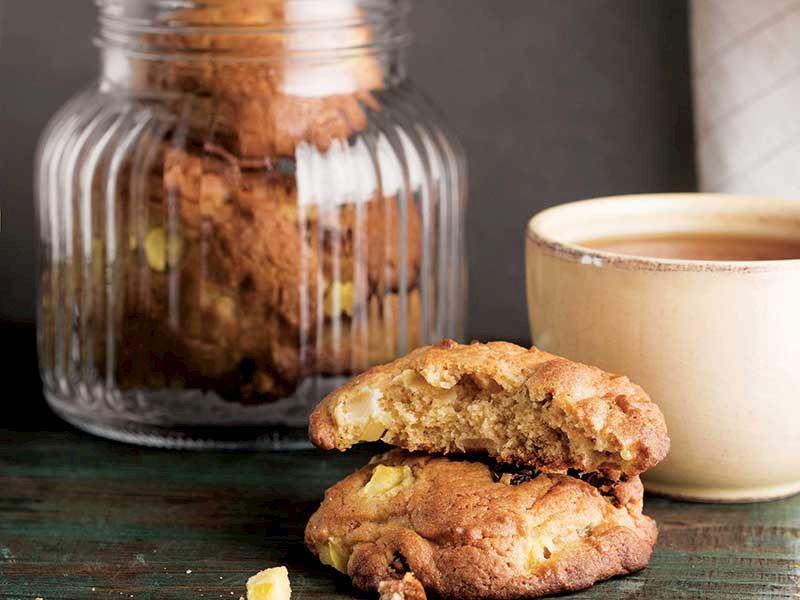 Kuru üzüm, mangolu ve pekmezli kurabiye